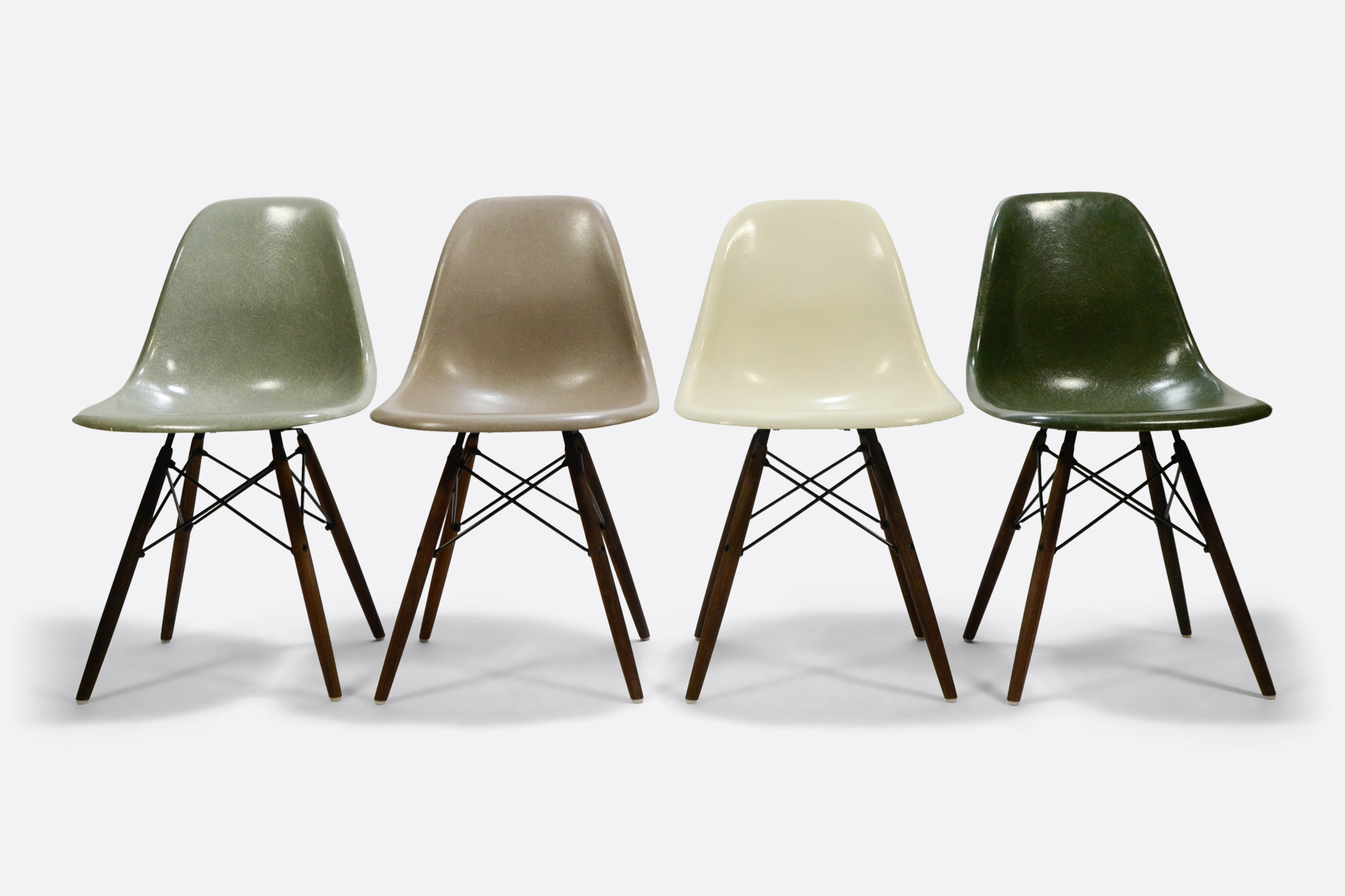 Eames DSW set of 4 Seafoam Green - Greige - Off White - Forest Green1