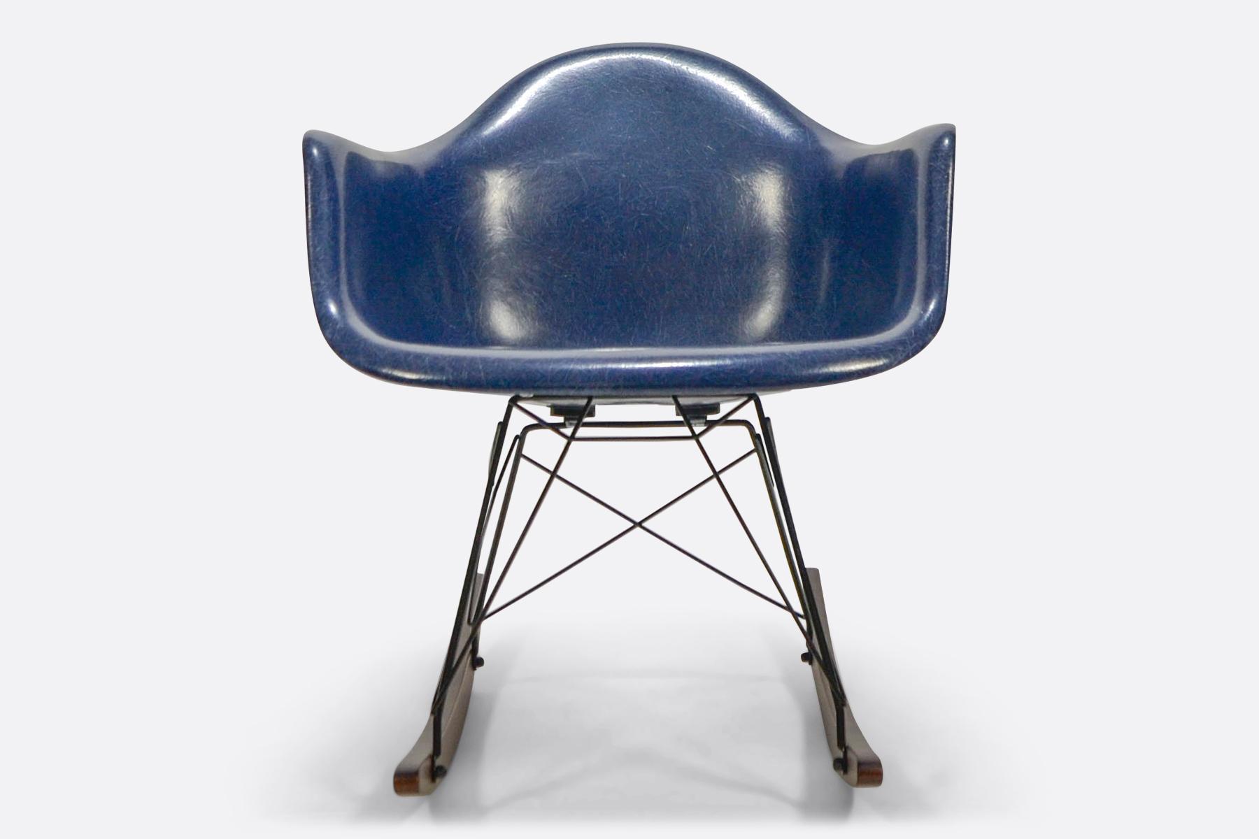 Eames Rar Stoel : Rar eames design rocking chair yellow design seats buy