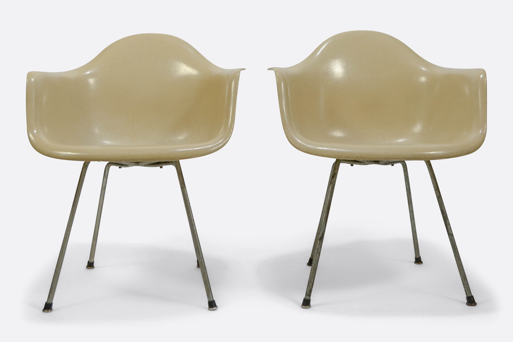 Eames DAX set of 2 - Off White - Zenith Plastic1