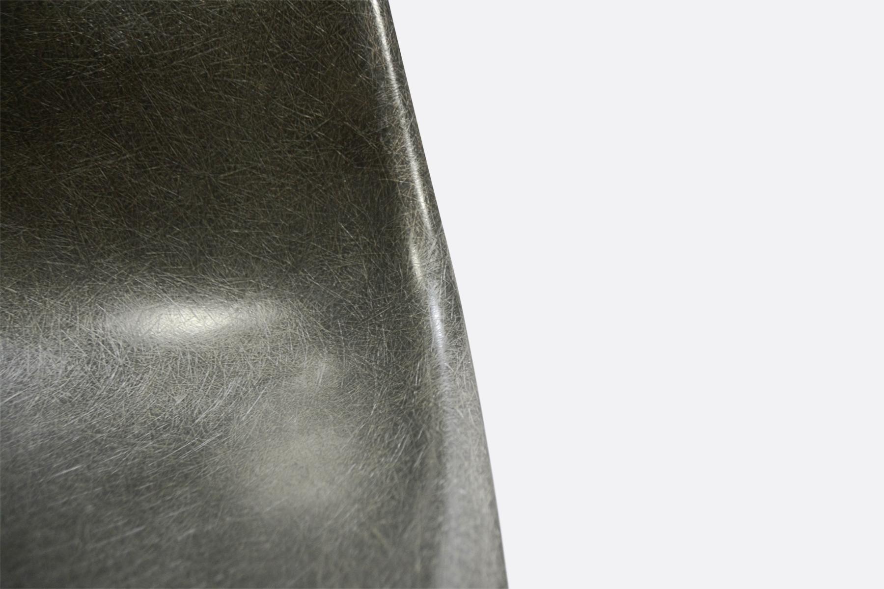 Eames DSR Elephant Grey3