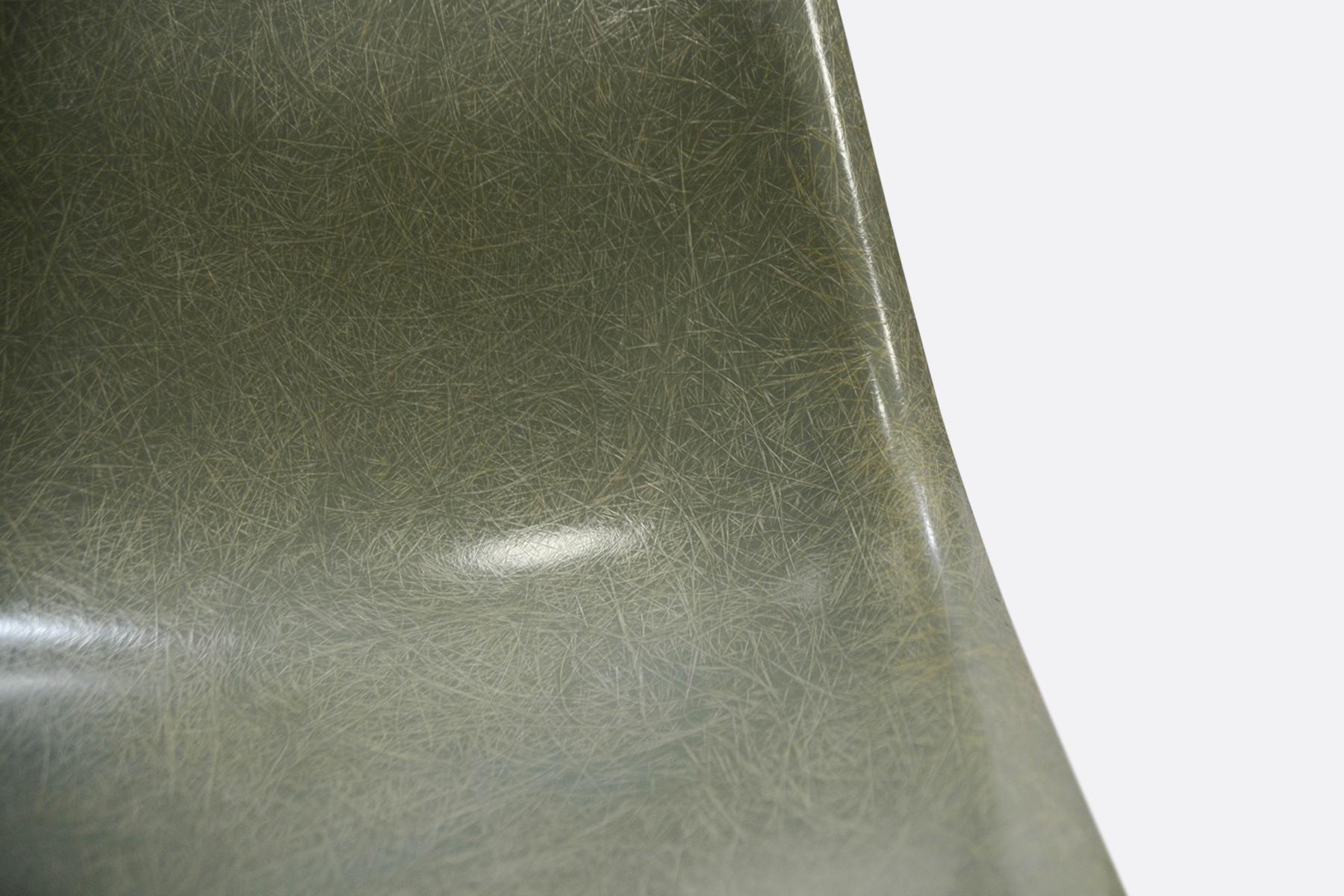 Eames DSW - Seafoam Green4