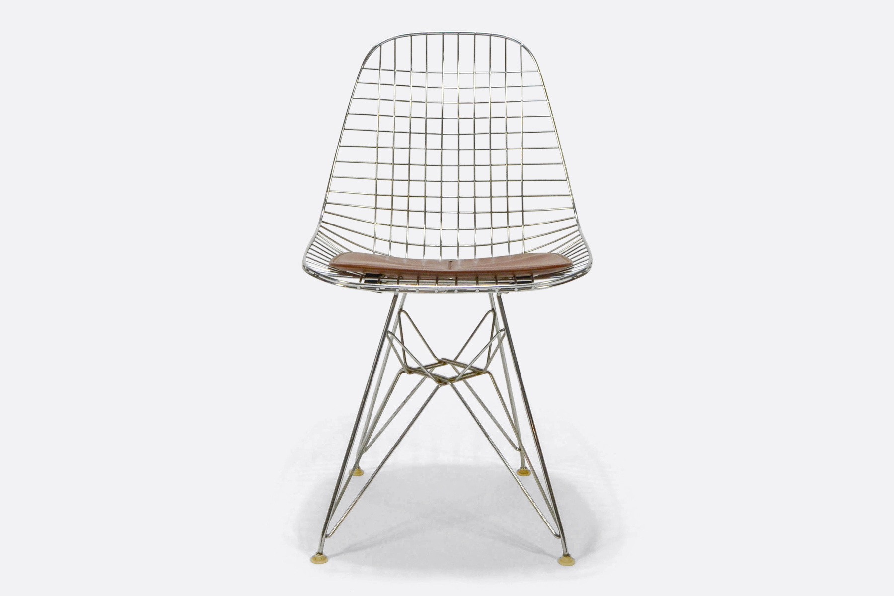 Eames-wire-chair-front