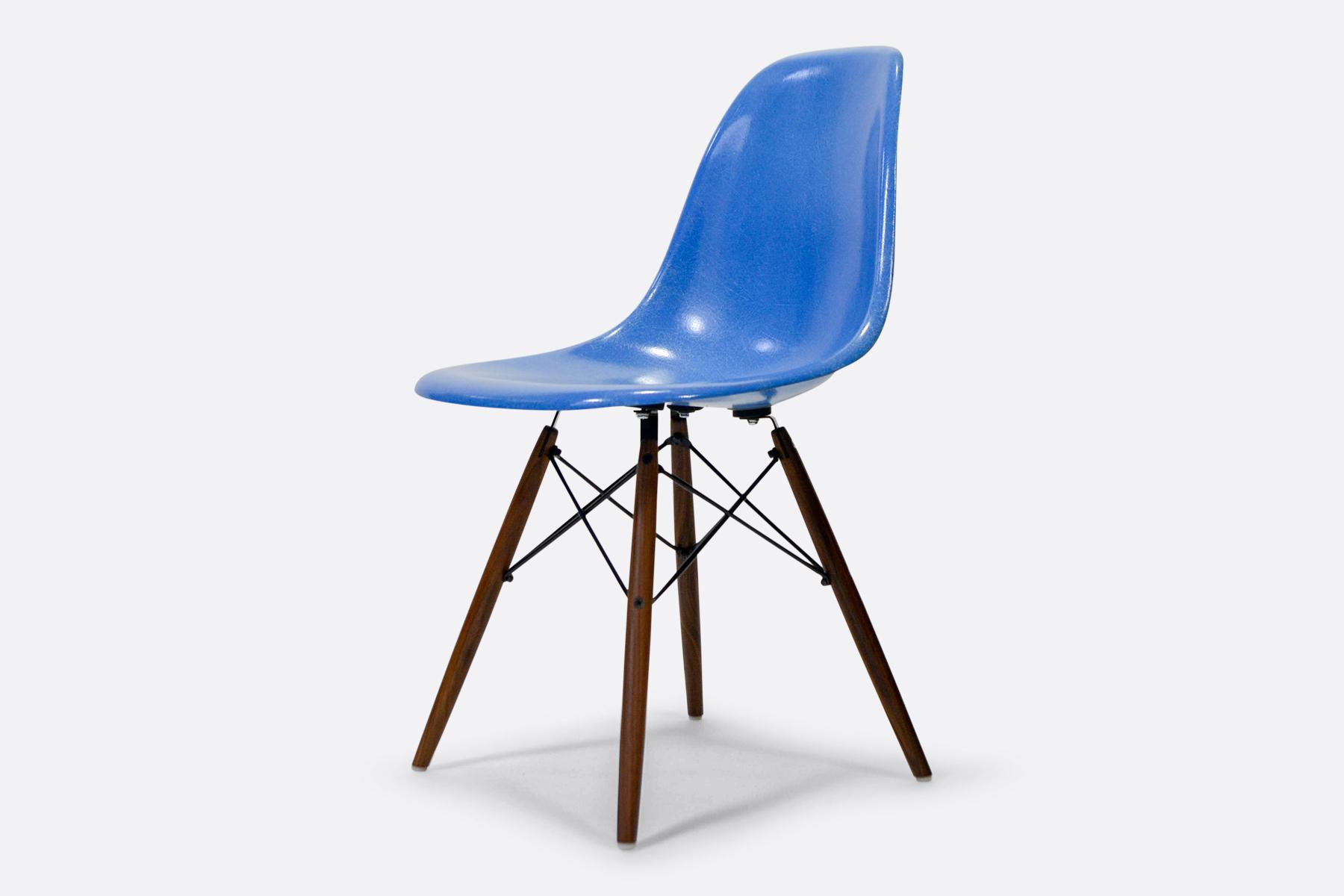 Eames-DSW-Cobalt-Blue-dia