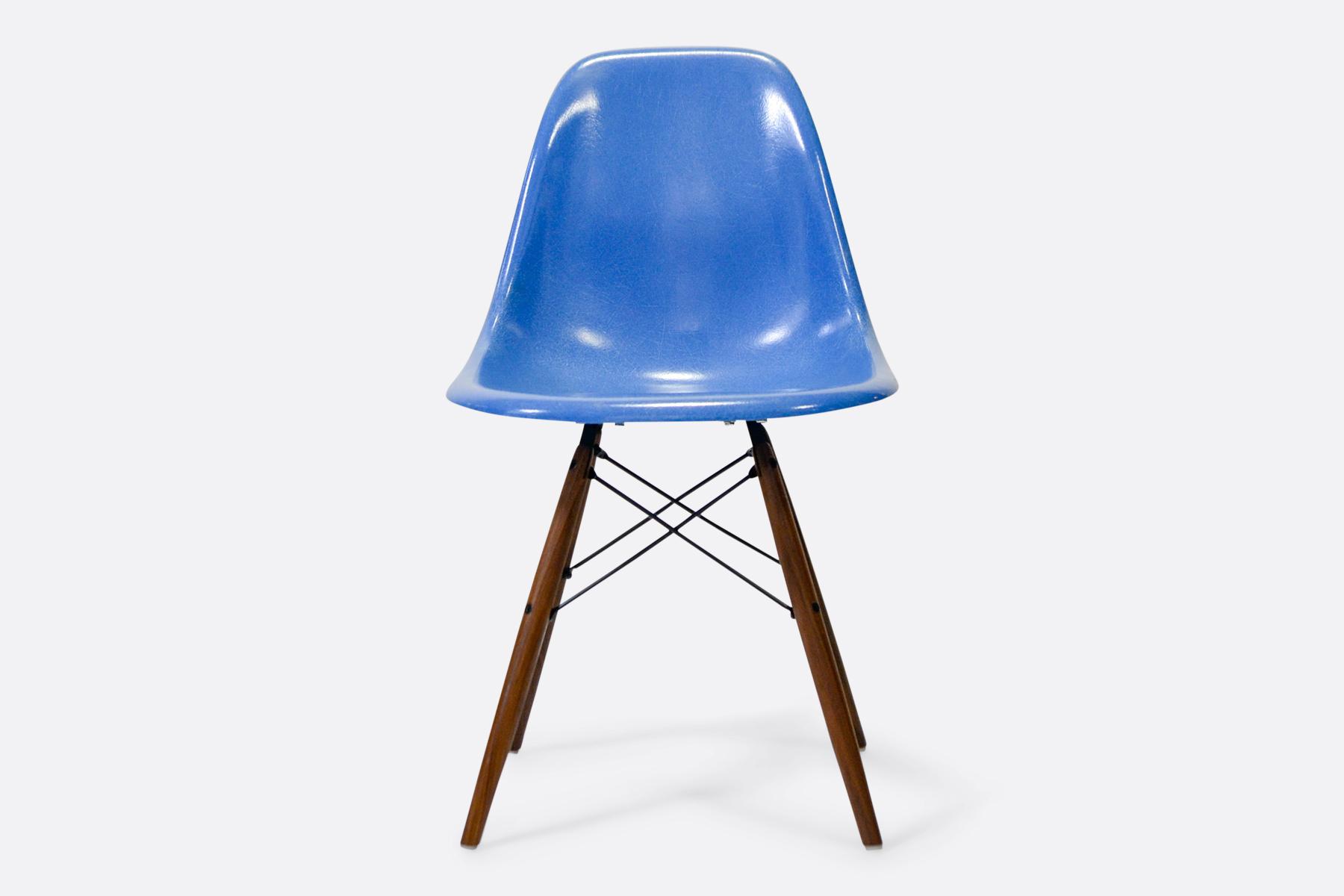 Eames-DSW-Cobalt-Blue-front