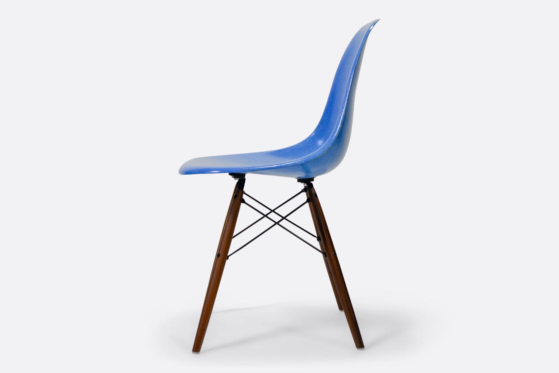 Eames-DSW-Cobalt-Blue-side