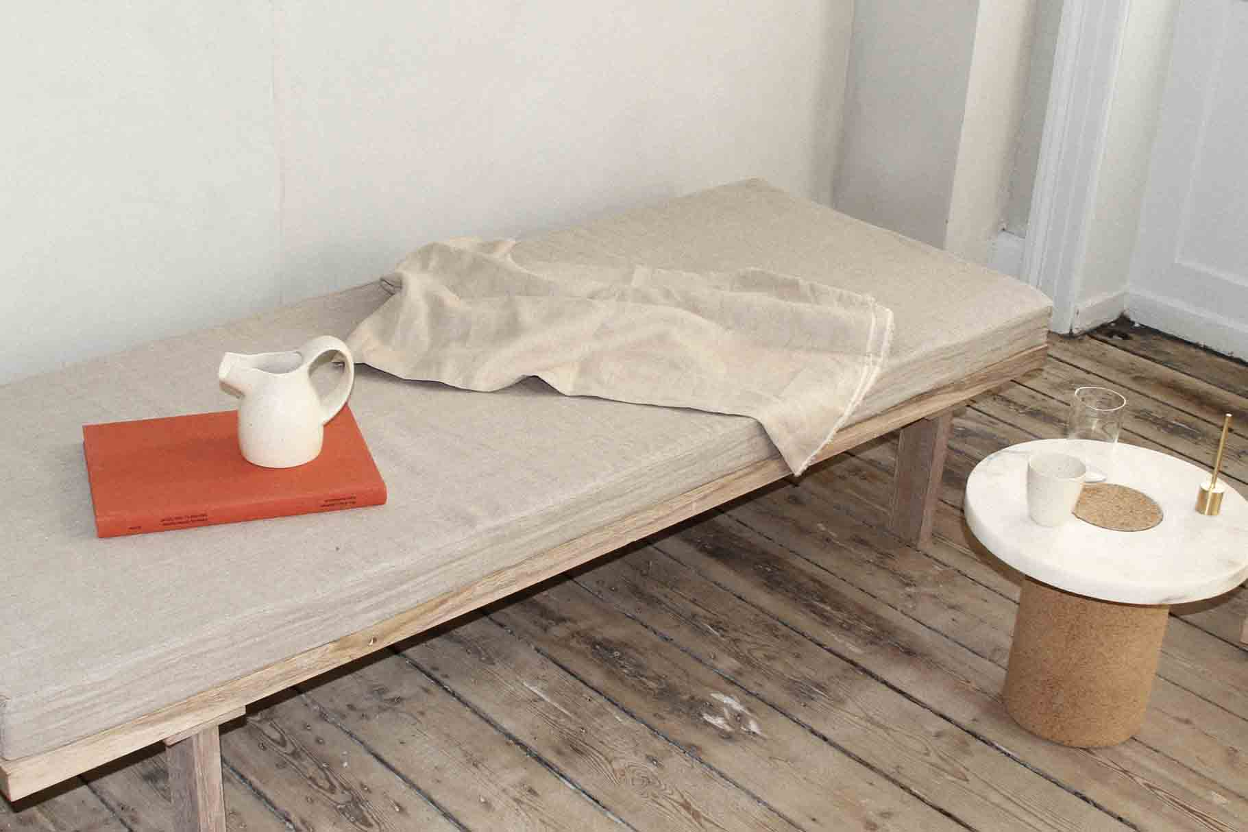 FRAMA Daybed_Front