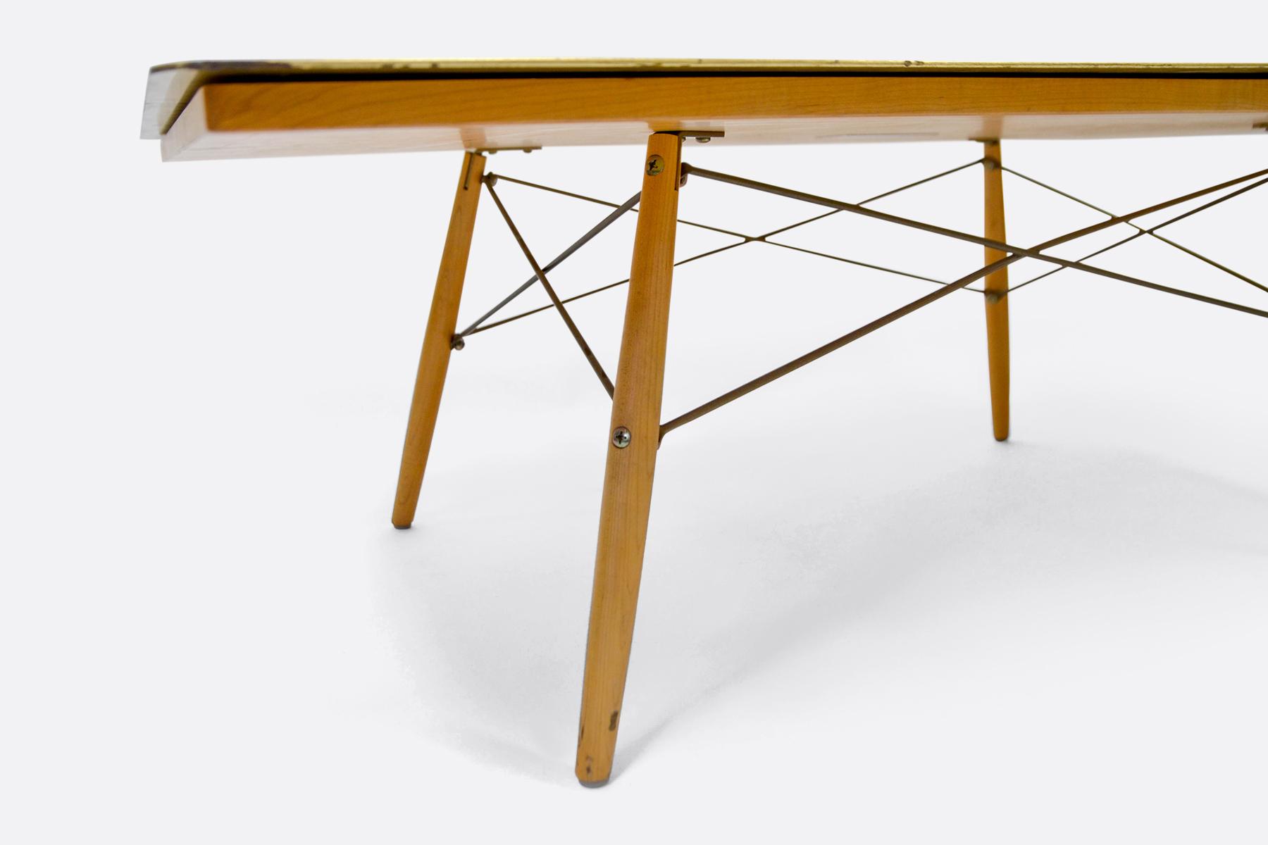Gold-Leaf-Table-frame
