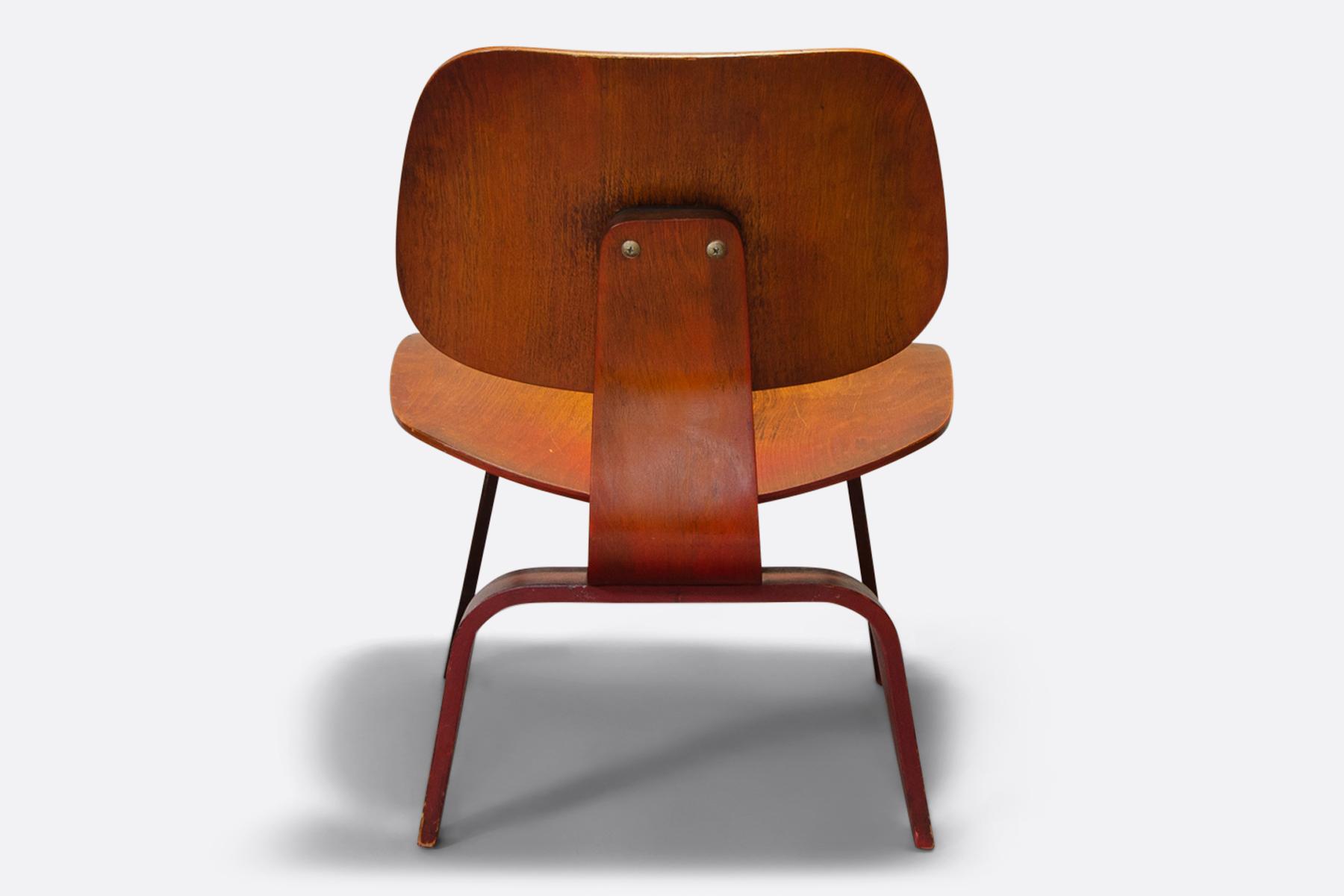 Eames | LCW Vintage