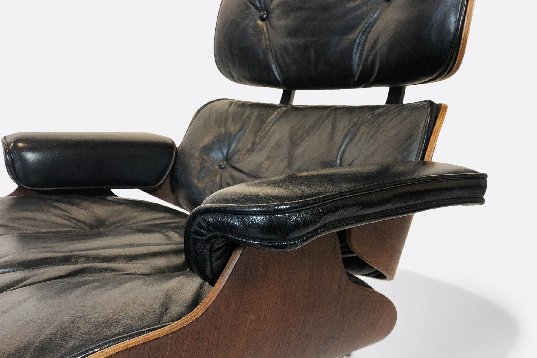 Eames Vintage Lounge Chair