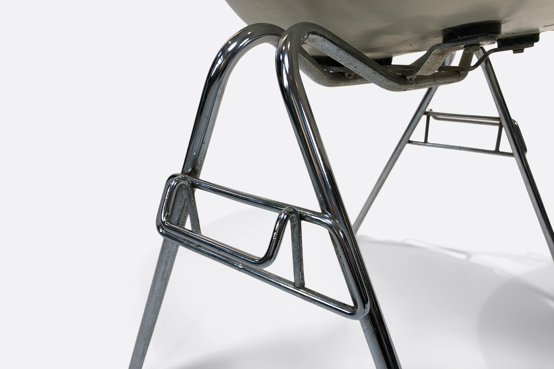 Vintage Eames Chairs Stackingbase
