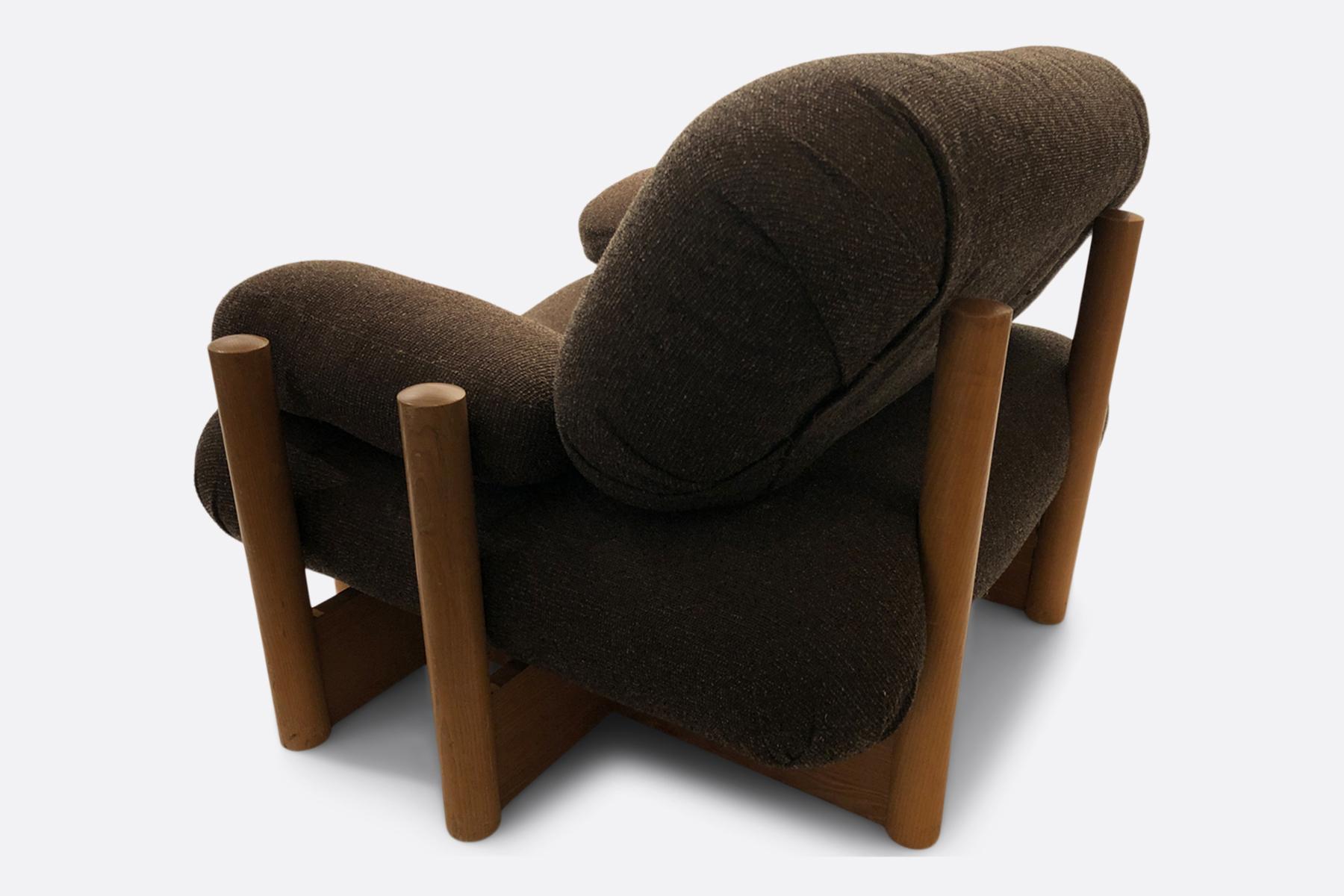 Case study chair