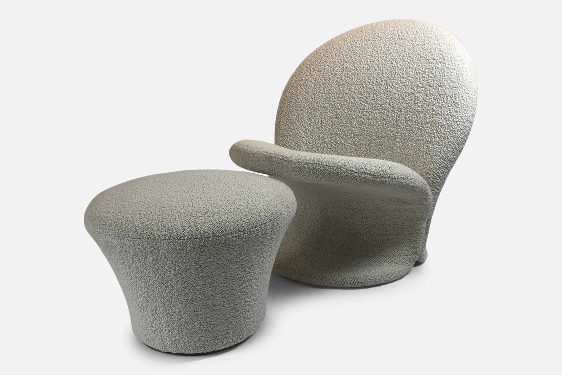 F572 chair